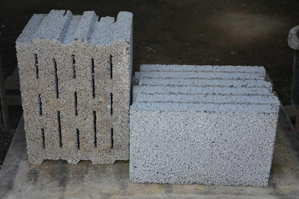 Керамзитобетонный блок для перегородок скц хх мм пустотелый.